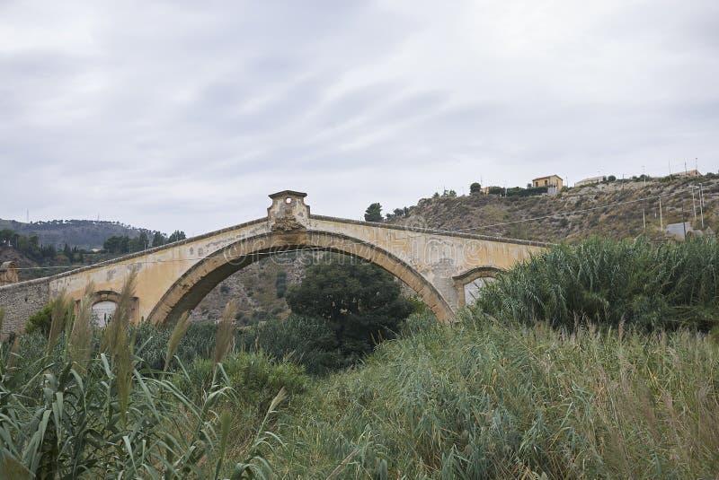 Мост Leonardo Сан в конечных станциях Imerese стоковое фото
