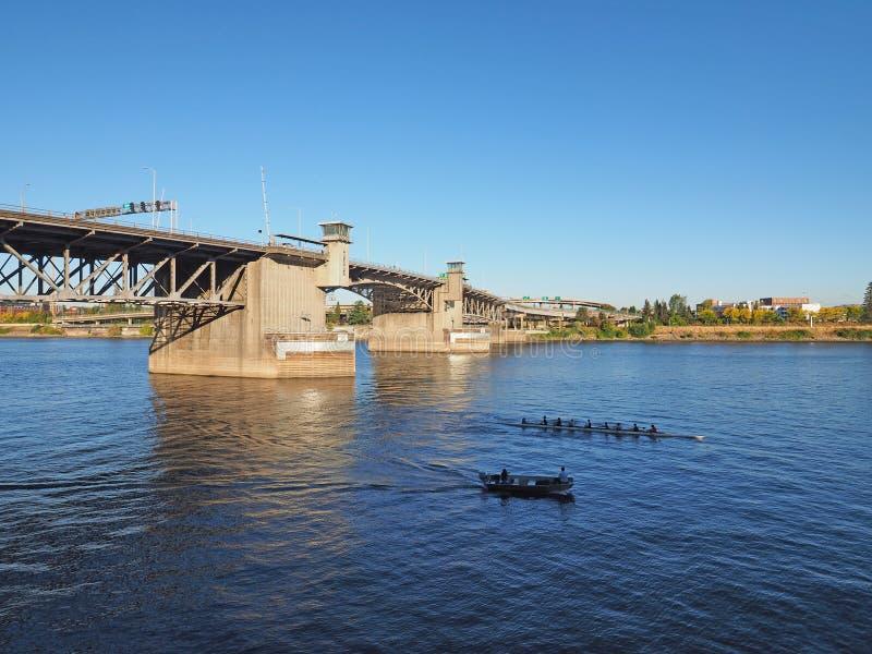 Мост Morrison, Портленд, Орегон стоковое изображение