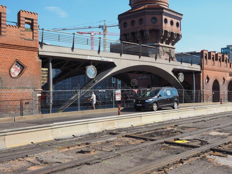 Мост Oberbaum в Берлине стоковые изображения