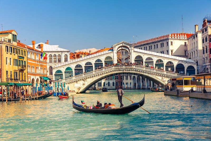 Мост Rialto в Венеции стоковая фотография rf