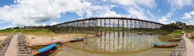 Мост sagklaburi панорамы стоковое изображение