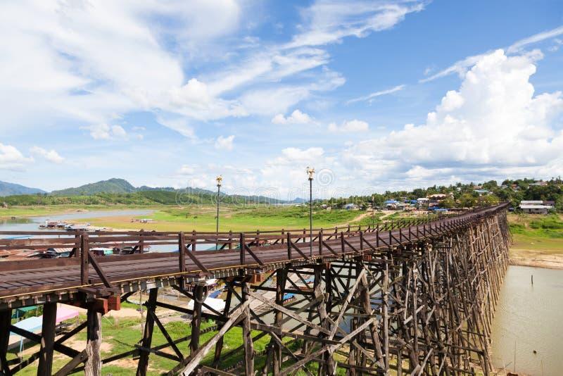 Мост Sagklaburi стоковые фото