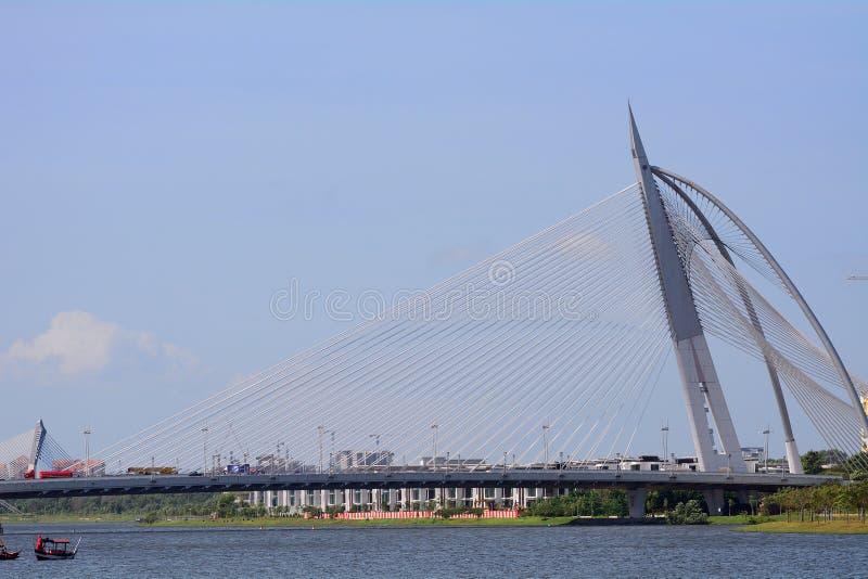 Мост Seri Wawasan, Путраджайя, Малайзия стоковые фотографии rf