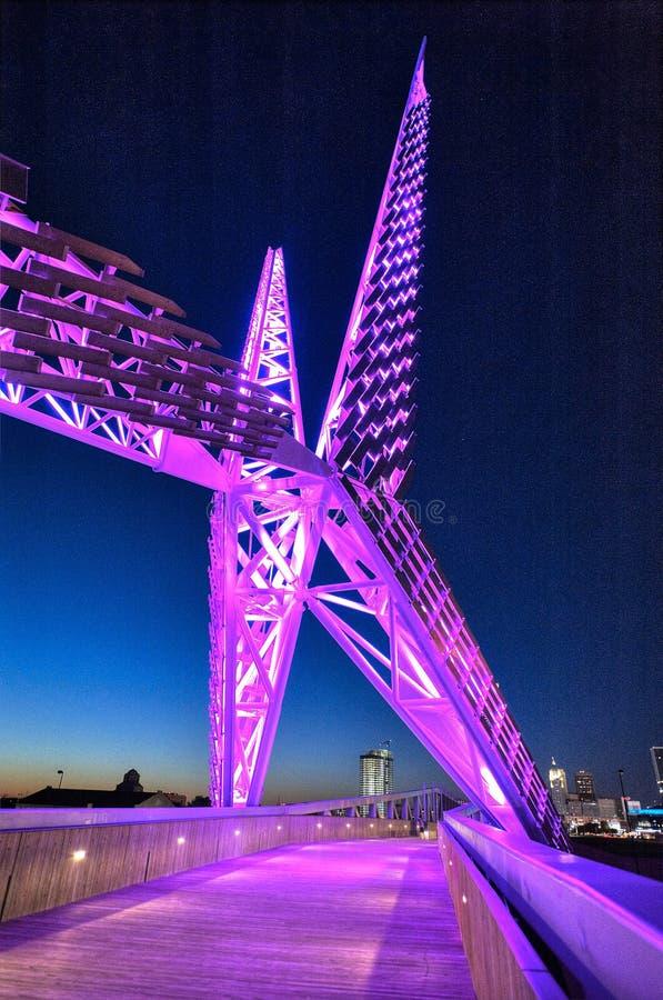 Мост Skydance над I-40 в Оклахомаа-Сити стоковые изображения