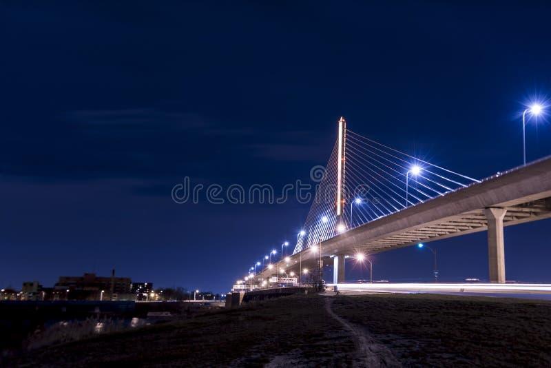 Мост Skyway города ветеранов стеклянный стоковые изображения rf