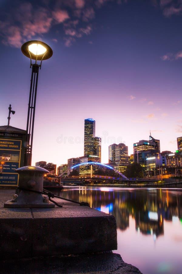 Мост Southbank пешеходный в Мельбурне стоковое фото
