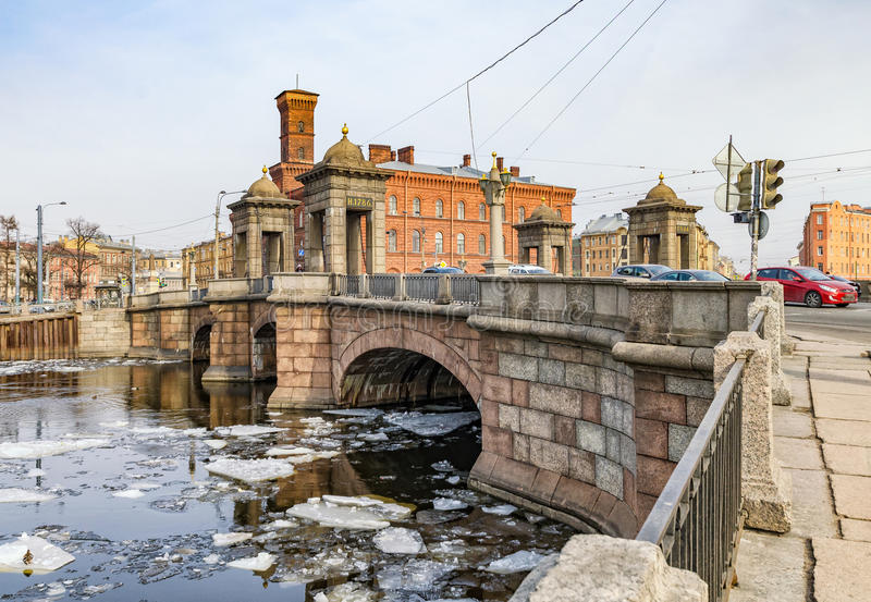 Мост Staro-Kalinkin над рекой Fontanka стоковая фотография rf