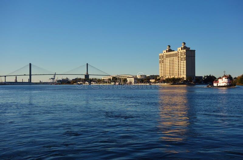 Мост Talmadge мемориальный над Рекой Savannah в Georgia стоковая фотография