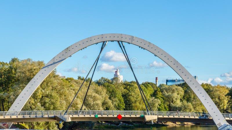 Мост Tartu свободы, Эстония стоковые фото