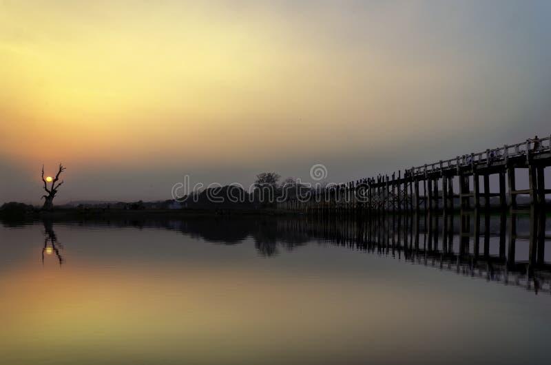Мост u Bein в Amarapura стоковое изображение rf