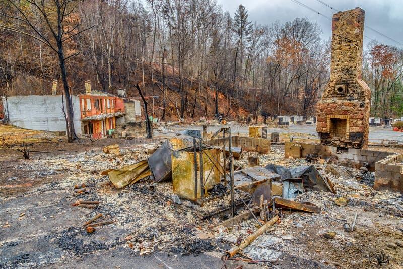 Мотель разрушенный лесным пожаром Gatlinburg стоковое фото rf