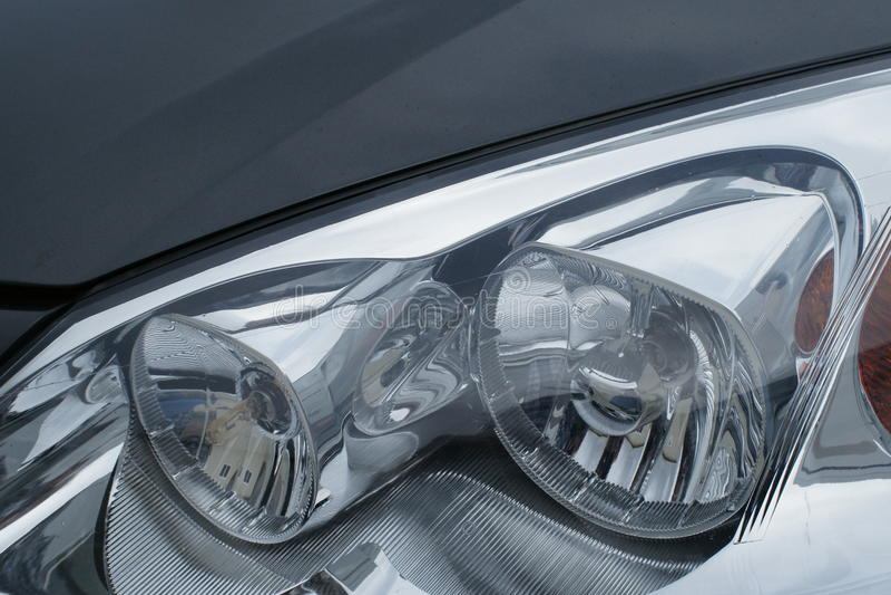 мотор headlamps автомобиля стоковое изображение