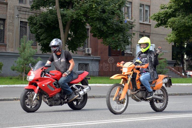 2 мотоциклиста стоковая фотография