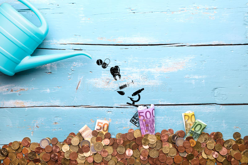 Моча чонсервная банка с значками и валютой евро, концепцией Pharmaceutica стоковая фотография rf