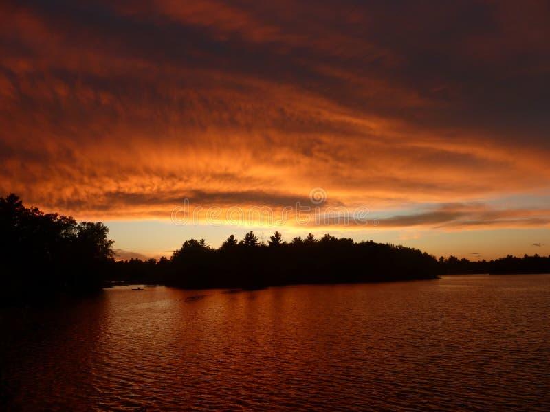 Мощный заход солнца стоковое фото
