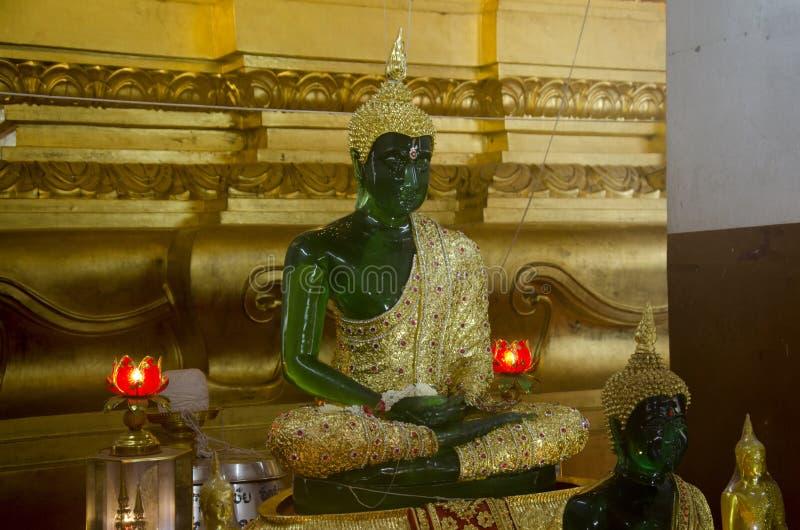 Модель изумрудной статуи изображения Будды стоковые изображения rf