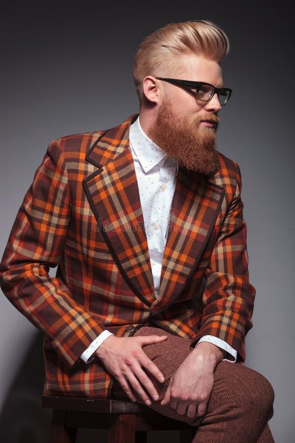 Модель моды красоты мужская с длиной стоковая фотография rf