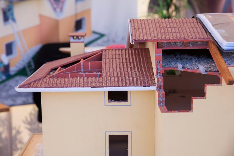 Модель разделенного дома стоковые изображения