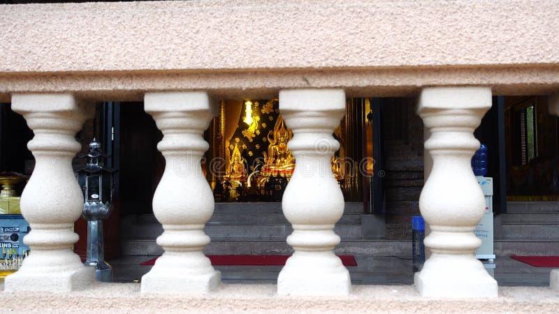 Модель Phra Будды Chinnarat на Wat Neramit Vipassana, Dansai, Loei, Таиланде видеоматериал