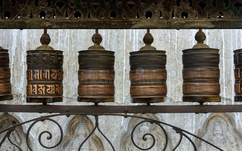 Молитва катит внутри Катманду стоковое изображение