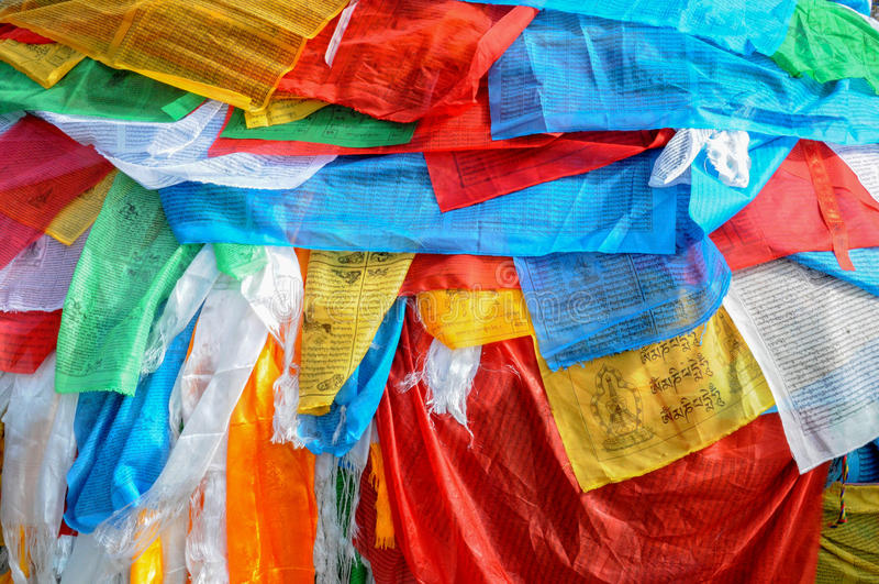 Молитва сигнализирует, монастырь Jokhang, Лхаса, Тибет, Китай стоковая фотография rf