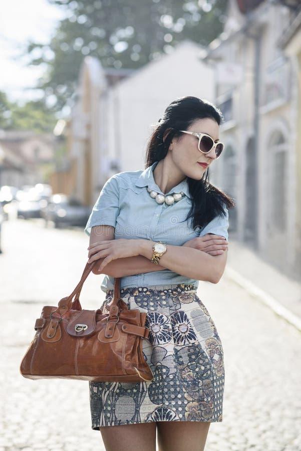 Модная женщина на улице стоковые фото