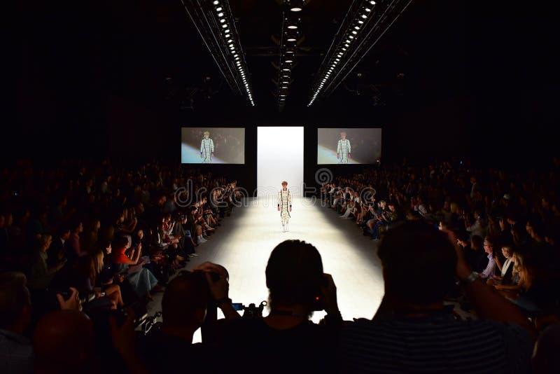 Модный парад кода JRAA стоковая фотография rf