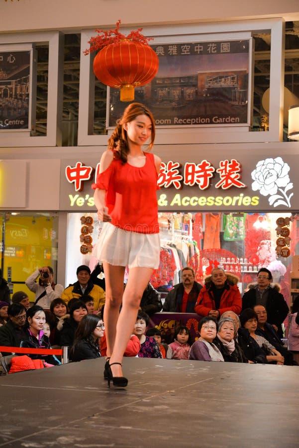 Модный парад на китайском событии Нового Года стоковые фото