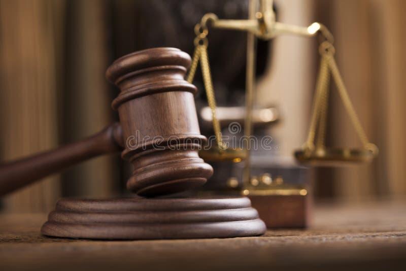 Молоток, тема закона, мушкел судьи стоковое изображение rf