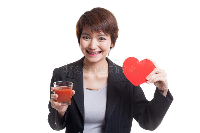 Download Молодая азиатская бизнес-леди с соком томата и красным сердцем Стоковое Изображение - изображение насчитывающей повелительница, съешьте: 81812189
