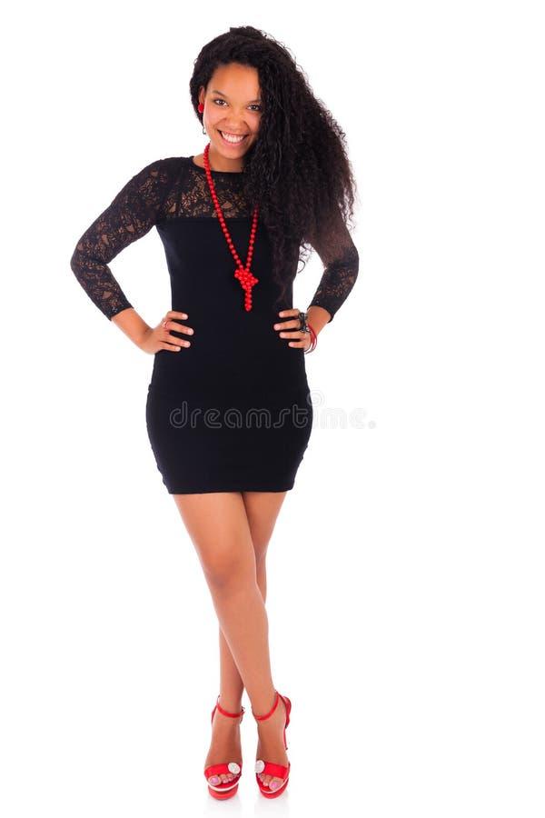 Молодая Афро-американская женщина с длинними волосами стоковые изображения