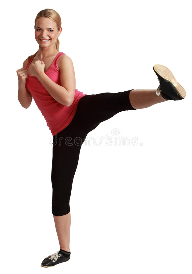 Молодая женщина Kickboxing Bonde стоковое фото