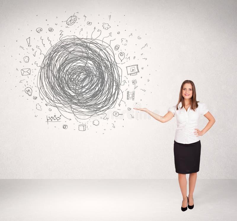 Молодая бизнес-леди с scribble doodle средств массовой информации стоковые фото