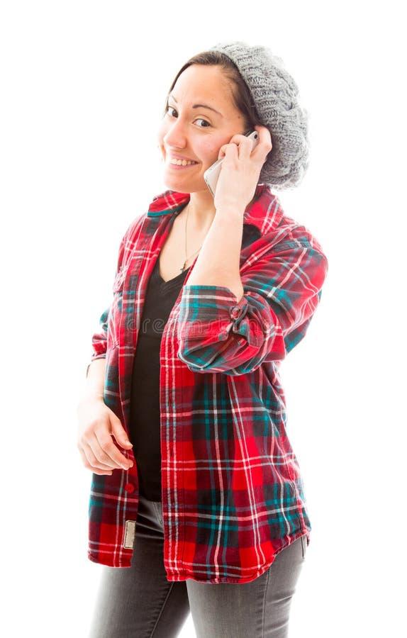 Download Молодая женщина говоря на мобильном телефоне и усмехаться Стоковое Фото - изображение насчитывающей проверено, съемка: 41651942
