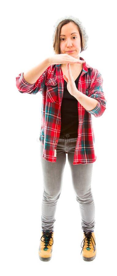 Download Молодая женщина делая время вне сигнализирует с руками Стоковое Фото - изображение насчитывающей вертикально, рубашка: 41651750