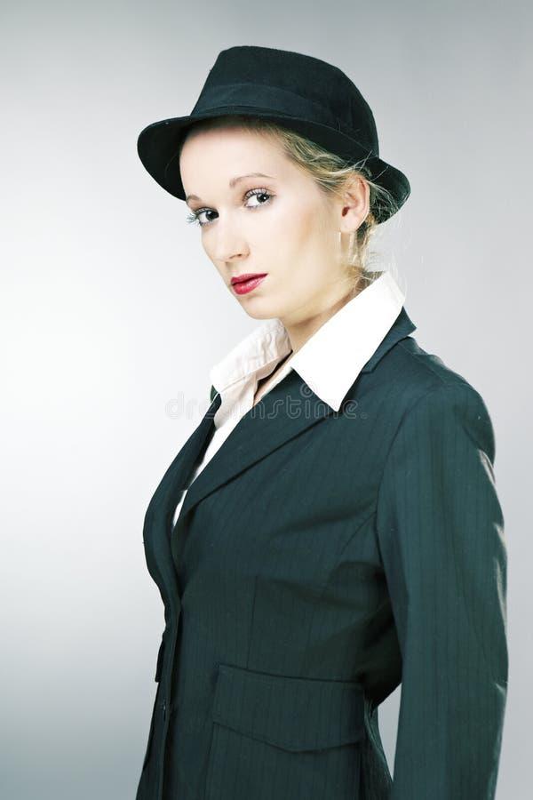 Молодая женщина мафии стоковые изображения rf