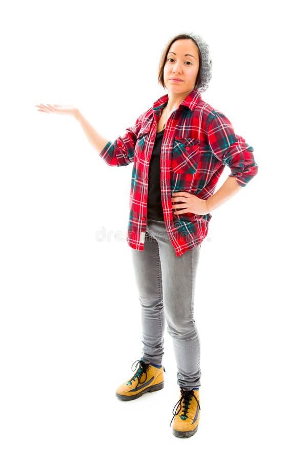 Download Молодая женщина представляя что-то Стоковое Изображение - изображение насчитывающей сообщение, женщина: 41650607