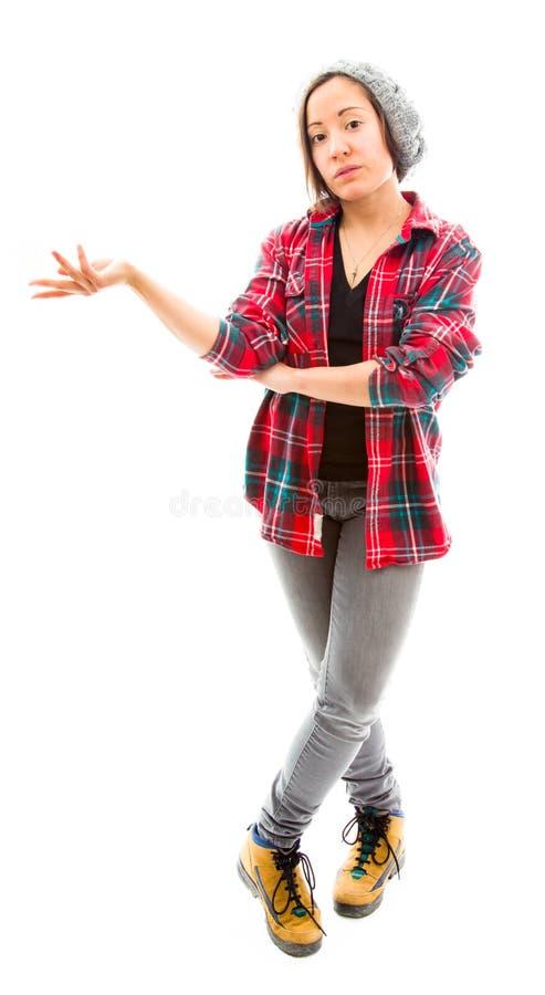 Download Молодая женщина представляя что-то Стоковое Изображение - изображение насчитывающей портрет, представлять: 41651109