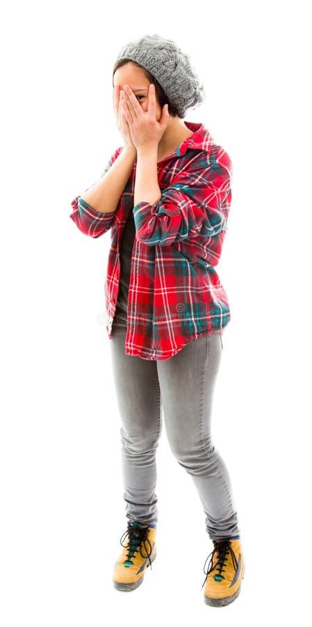 Download Молодая женщина Peeking через руки покрывая сторону Стоковое Фото - изображение насчитывающей заволакивание, юмористика: 41651016