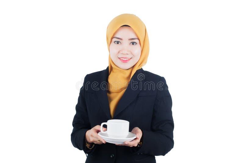 Молодая и красивая бизнес-леди Muslimah стоковые фотографии rf