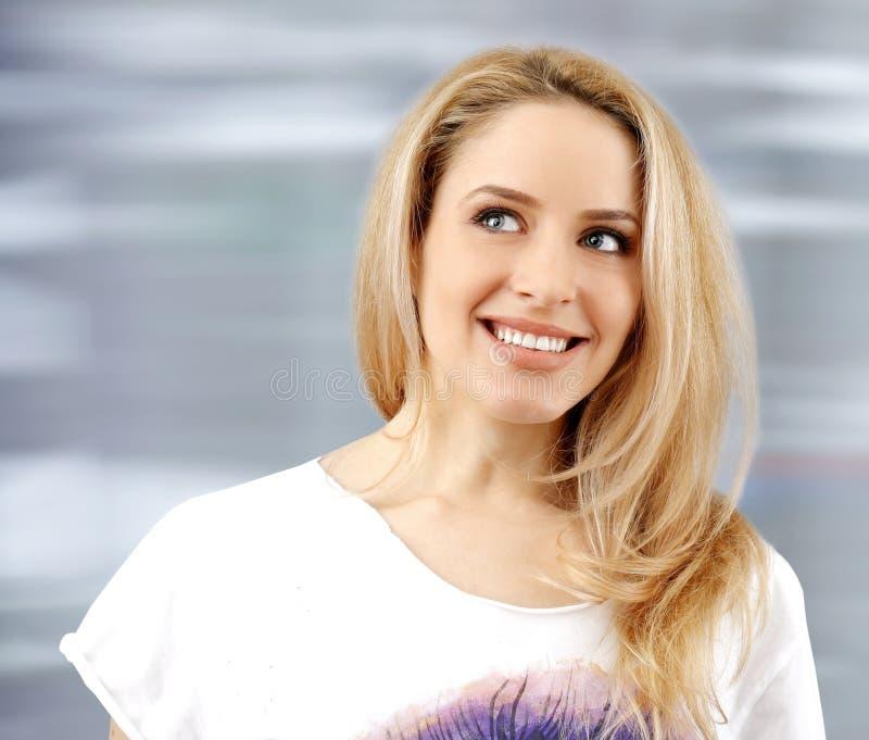 Молодая красивая женщина стоковые фото
