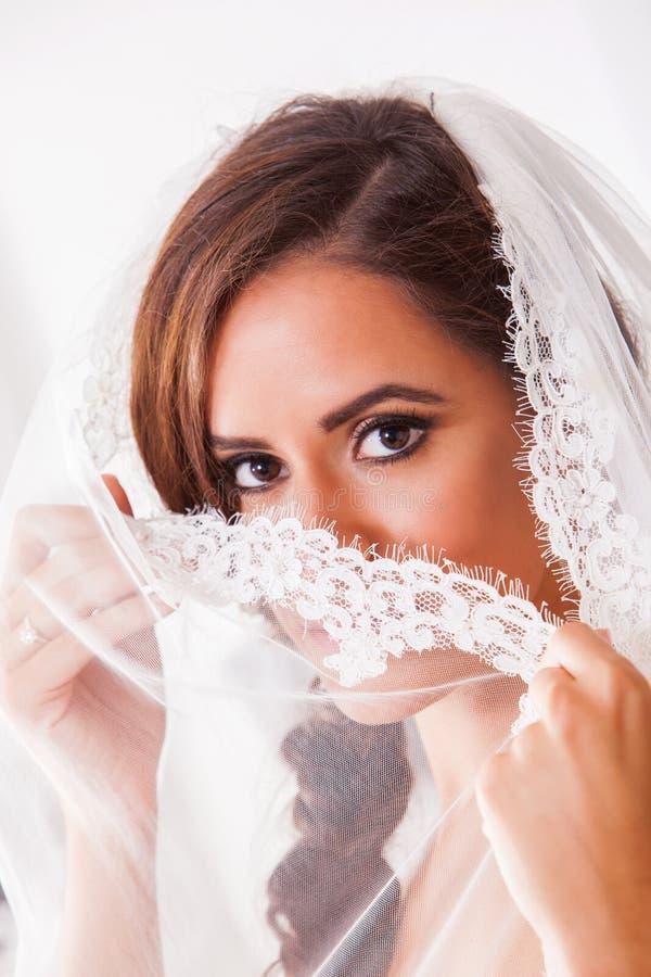 Молодая красивейшая невеста стоковые изображения