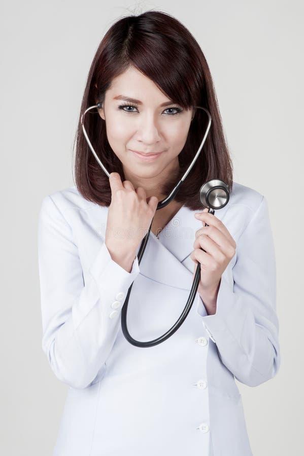 Молодая привлекательная девушка медсестры стоковое изображение