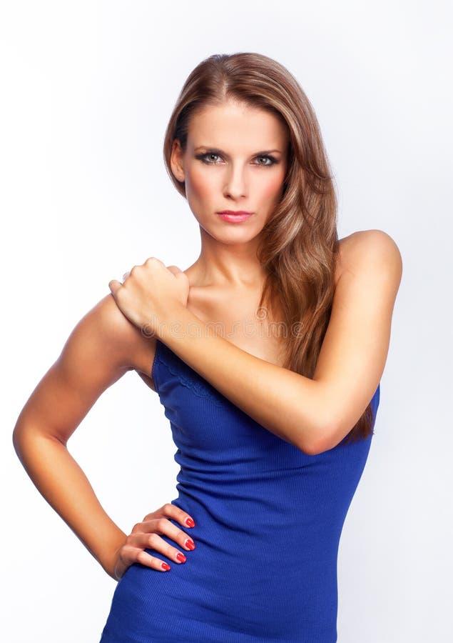 Download Молодая привлекательная женщина - стоя представление Стоковое Фото - изображение насчитывающей способ, вакханические: 33730918