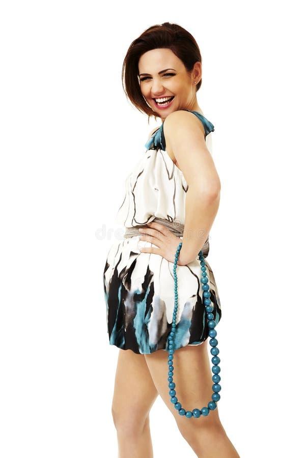 Молодая привлекательная женщина с шариками стоковая фотография