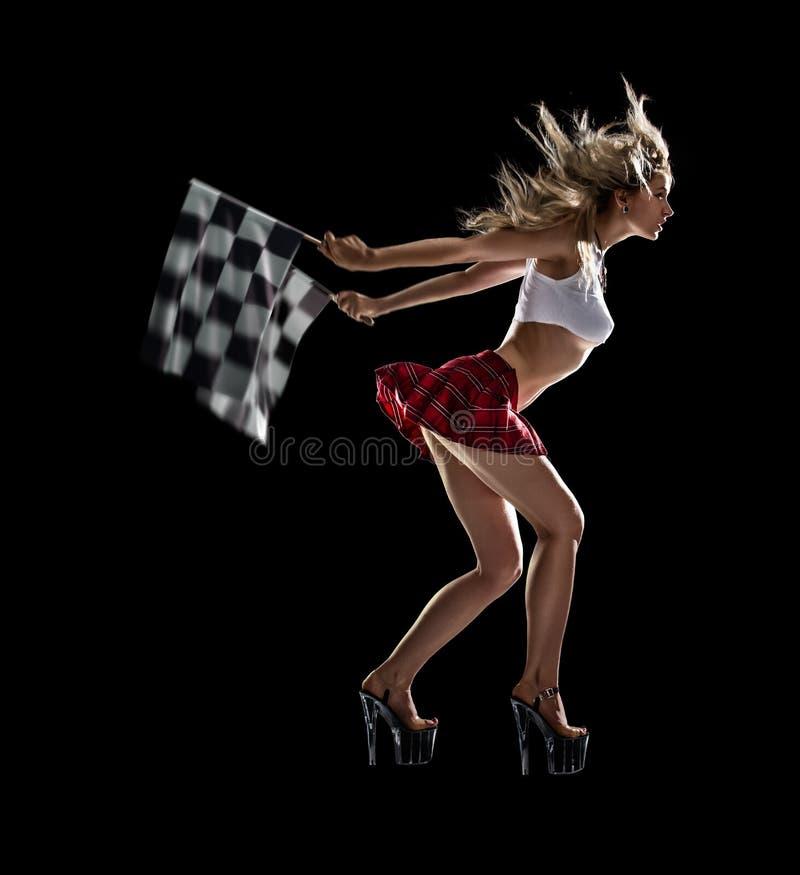 Молодая сексуальная девушка начинает гонку сопротивления стоковое изображение