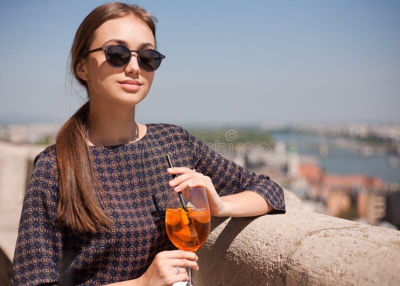 Молодая туристская женщина стоковая фотография rf