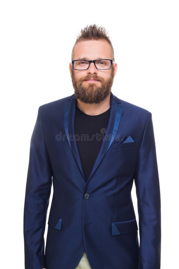 Молодой бородатый портрет человека изолированный на белизне стоковое изображение rf