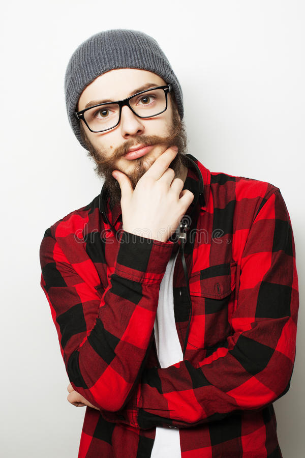 Молодой бородатый человек битника стоковые фотографии rf