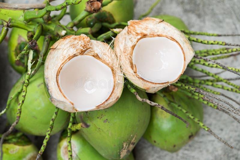 Молодой кокос стоковое фото rf